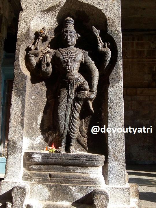 Thiruvanaikoil Jambukeswarar Temple - Maha vishnu